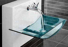 Waschbecken aus Glas